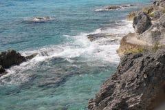 Sposób na skałach obok morza zdjęcia stock