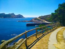 Sposób przez Cies wysp w Galicia, Hiszpania, z widokami morze a Fotografia Royalty Free