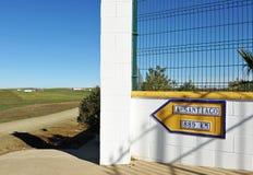 Sposób Santiago, odległość Santiago De Compostela Zdjęcia Stock