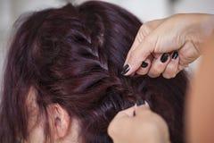Sposa allo stilista di capelli Fotografia Stock