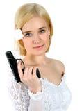 Sposa che tiene la pistola Fotografia Stock Libera da Diritti