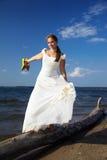 Sposa con i pattini gialli immagine stock libera da diritti