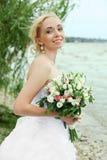 Sposa con il mazzo Immagine Stock Libera da Diritti