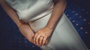 Sposa con la fede nuziale Fotografie Stock