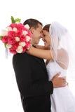 Sposa e sposo attraenti alla cerimonia nuziale Immagine Stock Libera da Diritti