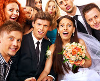 Sposa e sposo nel photobooth. Fotografia Stock
