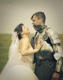 sposa la sua principessa di riunione di amore del cavaliere Immagini Stock Libere da Diritti