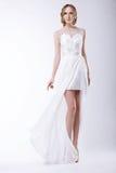 Sposa romantica in vestito nuziale festivo Immagine Stock Libera da Diritti