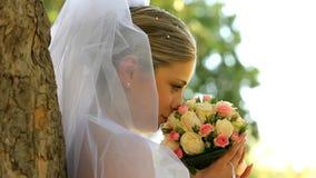Sposa sulla natura stock footage