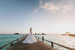 Sposa sulla spiaggia Immagini Stock