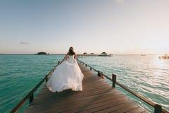 Sposa sulla spiaggia Immagini Stock Libere da Diritti
