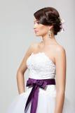 Sposa in vestito da sposa bianco Immagini Stock Libere da Diritti