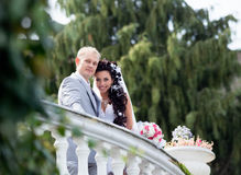 Sposato appena in giorno di loro cerimonia nuziale Immagine Stock Libera da Diritti
