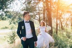 Sposo e sposa insieme Coppie di cerimonia nuziale Immagini Stock