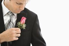 Sposo in smoking. fotografie stock libere da diritti