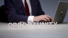 Sposobności zastosowanie, wprowadzenie gadżety dla biznesu i technologie i zbiory wideo