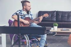 Sposobny for bawić się instrument muzycznego w studiu Obraz Royalty Free