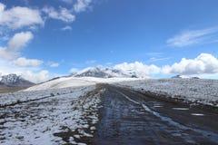 Sposobu śniegu chacaltaya Zdjęcia Royalty Free