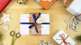 Spostamento dei regali di Natale fotografia stock libera da diritti