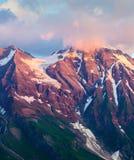 Spostamento di colore delle montagne di mattina di Wiesbachhorn Immagini Stock