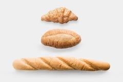 Spot op broodjes geplaatst die op witte achtergrond worden geïsoleerd Het knippen P royalty-vrije stock foto's