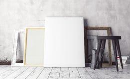 Spot op het binnenland van de kunstenaars` s studio Stock Fotografie