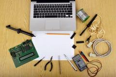 Spot op voorwerpen zoals industriële controlemechanismen Stock Fotografie