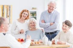 Spotkanie aktywny seniora klub zdjęcie royalty free