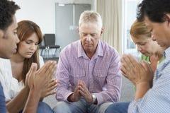Spotkanie biblii grupa uczących się zdjęcie royalty free