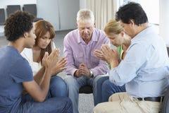 Spotkanie biblii grupa uczących się fotografia royalty free