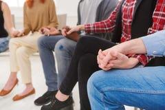 Spotkanie grupa pomocy Zaufanie okrąg obrazy royalty free