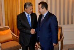 Spotkanie minister Cudzoziemski - sprawy Serbia Ivica Dacic i Ahmad Zahid Hamidi, zastępca ministra Malezja zdjęcia stock