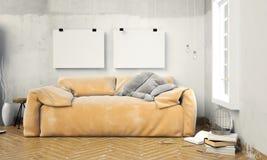 Spott herauf posterl im Innenraum mit Sofa Wohnzimmerhippie Lizenzfreie Stockfotos