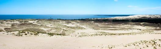 spottar det curonian havet för den baltiska kusten Royaltyfri Bild