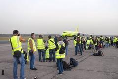 Spottervliegtuigen tijdens taxi worden gefotografeerd die Royalty-vrije Stock Afbeelding