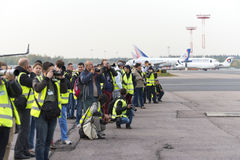 Spottervliegtuigen tijdens taxi worden gefotografeerd die Royalty-vrije Stock Afbeeldingen