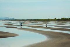 Sprängd sikt av den Cambodja sjösidan royaltyfri foto