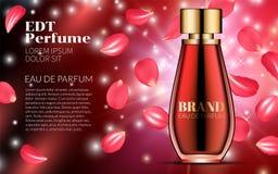 Sprühflasche auf rotem fallendem Blumenblatt-Blumen-Hintergrund Erstklassige Anzeigen für Website-Marketing-Soziales Netz und Blo Stockfotografie