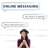 Sprache-Blasen-Text-Grafik-Konzept des Sozialen Netzes Stockfotos