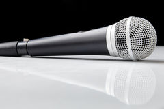 Sprachmikrofon mit Reflexion Stockbilder