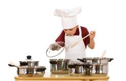sprawdzać szef kuchni jedzenie trochę zdjęcie royalty free