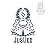 Sprawiedliwość legalny wektorowy emblemat młoteczek, wianek, książka Obrazy Stock