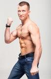 Sprawności fizycznej boksera silny macho mężczyzna Zdjęcia Stock