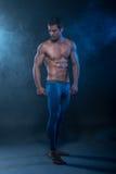 Sprawności fizycznej samiec model zdjęcia royalty free