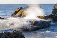 Spray von der Welle Stockbilder