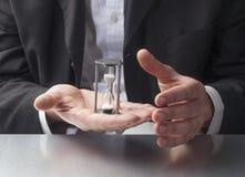 Sprechen über Zeitmanagement bei der Arbeit Lizenzfreies Stockfoto