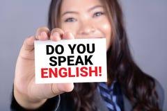 SPRECHEN SIE ENGLISCH! Mitteilung auf der Karte stockfotografie