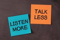 Sprechen Sie weniger und hören Sie mehr Stockbild