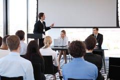 Sprecher bei der Konferenz Stockfotos