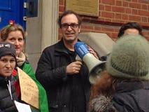 Sprecher an der Wander- Demonstration Stockfoto